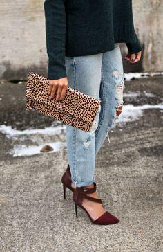 Leopard clutch #styleinspiration #styleideas #outfitinspiration #outfitideas #styleblog #fashionblogger #ootd #winterstyle #casualoutfit #winteroutfit #winterfashion #nashvillestyle