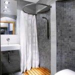 80 Amazing Tiny House Bathroom Shower Ideas – HomeSpecially – Diy Home Decor Wood Small Bathroom With Shower, Tiny Bathrooms, Tiny House Bathroom, Basement Bathroom, Modern Bathroom, Wet Room Bathroom, Bathrooms Decor, Modern Toilet, Bathroom Showers