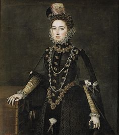 1585 ca. Catalina Micaela by Alonso Sánchez Coello (Prado). Infanta Catalina wears a black saya with gold and white false sleeves in this Coello portrait from about 1585.This is strongly reminiscent of Isabel de Valois' gown in Coello's 1565 portrait of her. The columns of jewels work with the vee-shaped girdle to create a thinner line while conveying an impression of wealth, just as with Isabel de Valois.