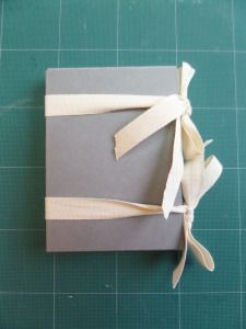 How to Make a Non-adhesive Phase Box by Jessica Hyslop Bookbinding Tools, Bookbinding Tutorial, Journal Covers, Book Journal, Journals, Making Tools, Book Making, Book Repair, Mini Album Tutorial