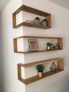 Tips... Muy prácticos estantes flotantes en ángulo. #interiordesigntipslivingroom