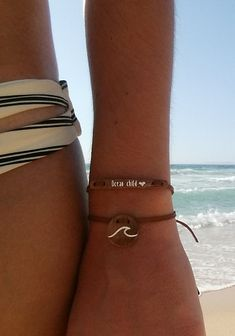 """Happiness comes in waves. Check out float's bracelet """"Wave"""" in this picture."""