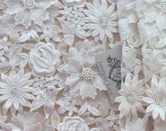 Gris tela encaje 3D hecho a mano de lujo perlas de por ImperialLace