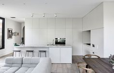 Best Open Kitchen Living And Dining Concepts Perfect For Modern And Traditional Interior Styles Australian Interior Design, Interior Design Awards, Contemporary Interior Design, Modern Contemporary, Home Decor Kitchen, Kitchen Living, Home Kitchens, Kitchen Design, Kitchen Ideas