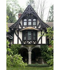 """tudor style english cottage designs"" - Well, yes. Or the Salvatore house. Tudor Cottage, Cozy Cottage, Cottage Homes, Cottage Style, Storybook Homes, Storybook Cottage, Casas Tudor, Casa Estilo Tudor, Cottage Design"