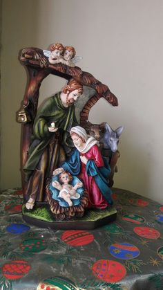 Christmas Nativity Set, Jesus Pictures, Holy Family, Holi, Seasons, Ceramics, Diy, Painting, Christmas Ornaments