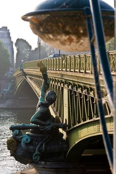Paryż - Most Mirabeau / Mirabeau Bridge, Paris Paris France, Places To See, Places To Travel, Pont Paris, Ville France, I Love Paris, Monaco, Beautiful Places, Scenery