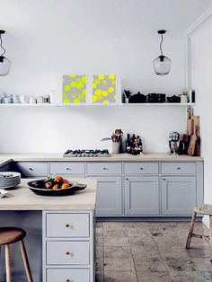 this gorgeous kitchen. from the home of Danish interior stylist Cille Grut. Image from Elle Decor Denmark, found via Kitchen Decor, Kitchen Inspirations, New Kitchen, Kitchen Style, Small Kitchen, Home Kitchens, Kitchen Design, Kitchen Remodel, Kitchen Dining Room