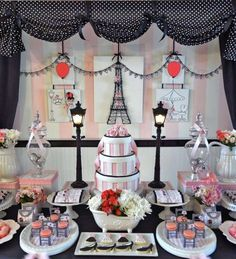 Paris party for a tween birthday | Catchmyparty.com