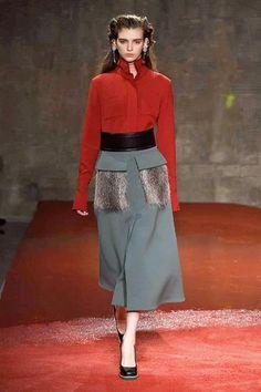 Sfilate di Moda - Donna Autunno Inverno 2015-16 - IoDonna 2bd3dd27027