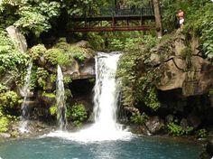 I have great memories of visiting El Parque Nacional de Uruapan, Michoacan when I was little...un lugar hermoso!