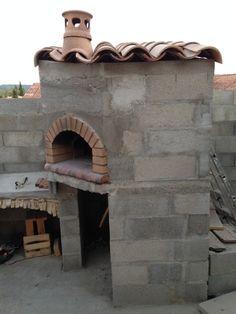 Construction du Four à pain/pizza - Mon four à pain en briques réfractaires Barbecue Four A Pizza, Bbq, Churros, Brick Grill, Pain Pizza, Wood Pizza, Primitive Kitchen Decor, Tv Decor, Home Decor
