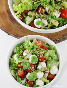 Sałatka z mozzarellą. Salad with mozzarella cheese. Clean Eating, Healthy Eating, Healthy Salad Recipes, Light Recipes, Summer Recipes, Food Inspiration, Easy Meals, Food And Drink, Veggies