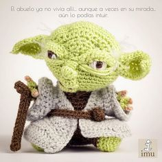 Totally going to learn to crochet just to make this. Now, where do I start. The cuteness of crochet yoda is too much.