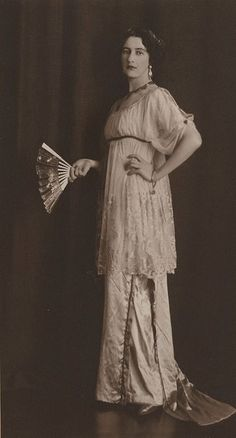 Thea Proctor, 1912 (1879-1966). One of the most famous Australian woman artists of her time.