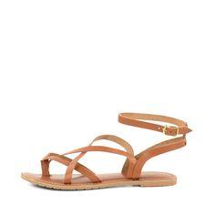 50 via wehkamp 60 sasha mt 39 nodig Onmisbaar voor in je zomer garderobe: casual bruine leren sandalen met enkelbandje! De minimalistische sandalen hebben iets weg van gladiator sandalen en kunnen perfect onder elke outfit gedragen worden. De maat, van de schoenen, valt klein uit.