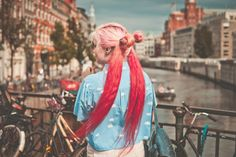 PERCHÉ I CAPELLI SI TINGONO COME I DESIDERI BECAUSE WOMEN DYE THEIR HAIR AS IF THEY WERE WISHES