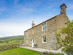 Set in a wonderful rural position with plenty of walks to pick from.