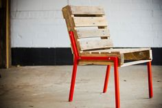 Pallet Chair - Steel Legs - Buy Nothing New - www.buynothingnew.nl #bnnm13 #ontdekwatjehebt