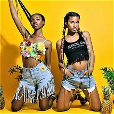 Pour un week-end au top entre copines , elles font confiance aux coiffeuses Be Nappy   Rendez-vous sur www.benappy.fr/  #nappy #afro #hair #benappy #hairstyle #black #noir #paris #france #black #blackness #blackhair #nappyhair #afrohair #afrostyle #naturalhair #braids #tresses #afrohair #nattes #cheveuxcrepus #afrohairtsyle #africanbeauty #curlyfro #coiffureadomicile #cheveuxnaturels #afro #tissage #crochetbraids
