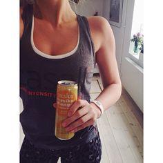 Best drink ever! @Celsius Drink #celsiussverige  Now: legday  ofc I'm wearing my #energyarmor bracelet ✨ @energyarmorsweden #fitfam #trainlikeagirl #aldrigvila #flagom #fitness #lifestyle #training #for #bikinifitness #some #day #ass #girlswithmuscles #Padgram