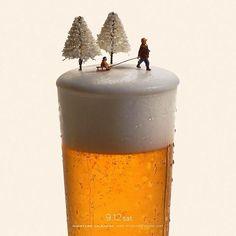 miniature dioramas - As part of his 'Miniature Calendar' project, Tatsuya Tanaka has been creating miniature dioramas using everyday objects like food, uten. Minis, Design Spartan, Miniature Calendar, Decoracion Vintage Chic, Miniature Photography, Foto Blog, Tiny World, People Art, Japanese Artists