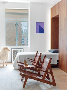 Organic Touches and Sleek Minimalism Find Harmony in an Upper West Side Apartment