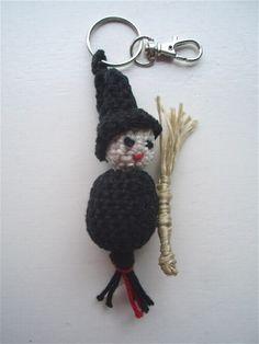 Gehaakt gelukspoppetje / haakpatroon - Heks ---- witch - crochet - pattern - amigurumi - patroon - haken - gehaakt