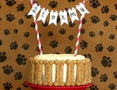 Your dog party isn't complete without these puppy party ideas! We have party decorations, and puppy party food ideas! Dog Cake Recipes, Dog Treat Recipes, Dog Food Recipes, Dog First Birthday, Birthday Cake For Dogs, 31 Birthday, Birthday Ideas, Puppy Treats, Un Cake