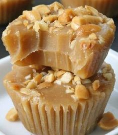 Peanut Butter Fudge - Just 4 Ingredients! (naturally vegan with paleo option) - Texanerin Baking This healthy maple peanut butter fudge only takes a few minutes to make {naturally vegan, gluten-free, grain-free, dairy-free} Gluten Free Desserts, Just Desserts, Delicious Desserts, Yummy Food, Tasty, Fudge Recipes, Candy Recipes, Sweet Recipes, Dessert Recipes