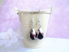 Silver leaf earrings with black teardrop glass pearls and silver hooks, nature jewelry by SelmaDreams on Etsy