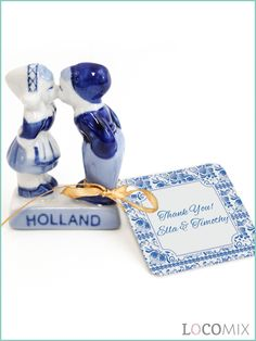 The Delft Blue figurines of a kissing couple symbolise love. Perfect as wedding favours! They come with a personalised tag. You can choose a design for the tags and after picking your favourite design you can personalise it to all of your wishes. Order now at LocoMix.eu!