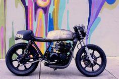 Kawasaki KZ550 so clean!