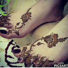 Image about nails in Henna 💫👏🤓 by Aıshā ツ on We Heart It Khafif Mehndi Design, Floral Henna Designs, Modern Mehndi Designs, Mehndi Design Pictures, Mehndi Designs For Girls, Henna Designs Easy, Dulhan Mehndi Designs, Beautiful Henna Designs, Latest Mehndi Designs
