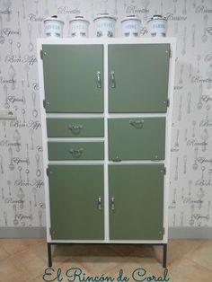 El rincón de Coral: Alacena de los años 60 Locker Storage, New Homes, Cabinet, Room, Furniture, Vintage, Design, Home Decor, Nostalgia