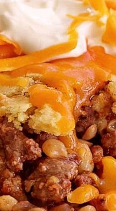 Trisha Yearwood's Cornbread-Chili Casserole ❊- Use GF Corn Bread to make it GF Chili Cornbread Casserole, Casserole Dishes, Cornbread Recipes, Trisha Yearwood Cornbread Recipe, Trisha Yearwood Baked Beans, Beans And Cornbread, Beef Casserole Recipes, Hamburger Casserole, Hamburger Recipes