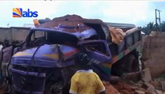 Photos: Major tragedy averted as truck rams into bus and building in Anambra State   A major tragedy was averted yesterday September 22 after a tipper truck loaded with sand rammed into a bus and a building in Awka Anambra State.  According to eyewitness who spoke to ABS the driver of the truck had problem with the steering wheel swerved and slammed into a bus packed outside a compound before crashing into the wall of the building.  Thanking God for his life the landlord of the compound who…