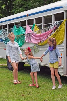 Vintage School bus craft party with @Handmade Charlotte and #plaidcrafts Handmade Charlotte Stitchables and FolkArt Home Decor Chalk