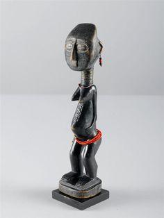 Full Catalogue Entry STATUETTE AGNI Côte d'Ivoire. Hauteur: 32 cm (...)   CHF 1,000 / 2,000 | € 830 / 1,660