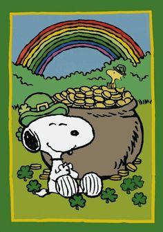 SNOOPY Leprechaun and Woodstock with bag of gold and rainbow. Peanuts Cartoon, Peanuts Snoopy, Charlie Brown Und Snoopy, Snoopy Und Woodstock, Lucy Van Pelt, Happy St Patricks Day, Saint Patricks, St Pattys, Leprechaun