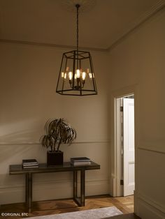 Social occasions need a welcoming entrance #bebold #cosy #xlhexpendant #Daveylighting