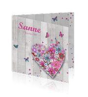 Hippe meisjes geboortekaart met steigerhout, bloemen en vlinders.  Te vinden op http://mycards.nl/geboortekaartjes/meisje/  Copyright Cartita Design