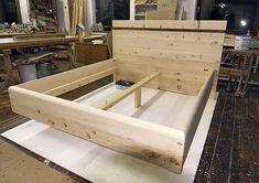 Handgefertigtes Massivholz Bett, Schwebend, Zirbenholz, Schlafzimmer  Einrichtung Möbel Natur Natürlich ökologisch Zirbenholz,