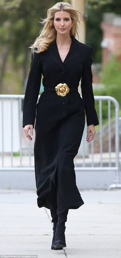 Monochrome: Ivanka Trump went for an all-black outfit on Tax Day, wearing a dark ankle-len. Ivanka Trump Outfits, Ivanka Trump Photos, Ivanka Trump Dress, Ivanka Marie Trump, Ivanka Trump Style, Ivana Trump, Mode Kawaii, All Black Outfit, Black Outfits