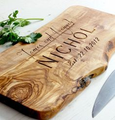 Personalizzato rustico bordo di taglio/taglio/formaggio legno oliva - disponibile in cinque misure