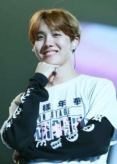 BTS 방탄소년단 || smiley facey || J-Hope 제이홉