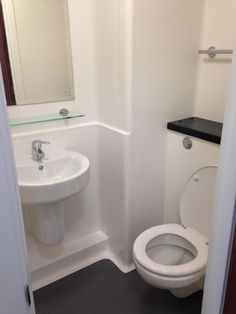 En-suite at Daniel Defoe #GreenwichCampus #UniofGreenwich #Accommodation