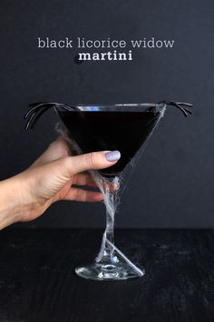 Black Licorice Widow Martini recipe perfect for Halloween! Halloween Cocktails, Holiday Drinks, Fun Drinks, Yummy Drinks, Alcoholic Drinks, Beverages, Vodka Recipes, Martini Recipes, Cocktail Recipes