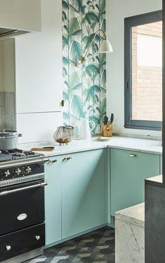 Kitchen Interior, Kitchen Design, Kitchen Island, Kitchen Cabinets, Style Deco, Home Kitchens, Mid-century Modern, Interior Decorating, Sweet Home