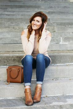 Fall fashion / ASOS sweater/Cold-shoulder/ Blanknyc Jeans/ Fall Style